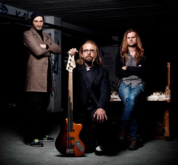 m&t@l - metal - trio